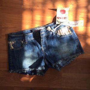 New shorts by 1st kiss | size XS